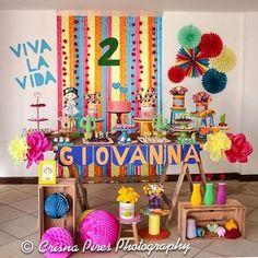 Festinha fofa e colorida com tema descolado que adoro: Frida Kahlo! Por @asfestasdemanuca 🌺💛#kikidsparty . . . . .  #party #happy #love #family #birthday #bday #instabday #picoftheday #instagood #kids #festainfantil #kidsparty #instaparty #partyideas #inspiracoes #ideias #instamood #partykids #decor #decoracaofesta #instadaily #kikidsfrida #fridakahlo #fridakahloparty #festamenina #festafridakahlo