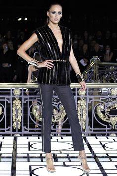 WET. Versace.