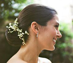 Uczesanie ślubne żywymi kwiatami, Żywe kwiaty we włosach na ślub