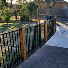 Hindmarsh Fencing provides aluminium fencing services in Adelaide. Contact us if you need an aluminum tubular fencing for your home or business in Adelaide Patio Yard Ideas, Patio Fence, Backyard Pool Designs, Pool Fence, Backyard Fences, Fenced In Yard, Backyard Landscaping, Yard Design, Fence Design