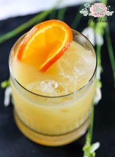 Coconut Amaretto Cocktail | Coconut Cocktail, Coconut Drink Recipe, Amaretto Drink Recipe, Coconut Amaretto Drink Recipe | #cocktails #coconut #amaretto