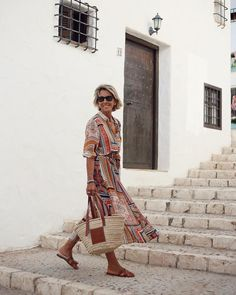Best Clothing Styles For Women Over 50 - Fashion Trends Mature Fashion, 60 Fashion, Fashion For Women Over 40, Vogue Fashion, Fashion Outfits, Ladies Fashion, Chic Summer Style, 50 Style, Cool Style