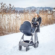 Stokke Trailz Stroller with Onyx Black Winter Kit.... The ideal outwear for your Stokke stroller, keeps baby nice and cozy warm! Blogger credit: ktosnaprzyczepke