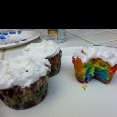 Rainbow Cupcakes! Super easy and fun!