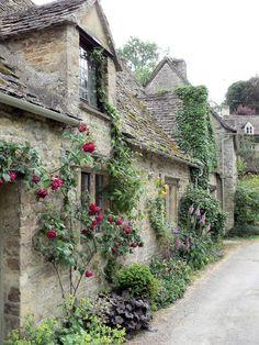 "missmarples-cottage : pagewoman: ""Arlington Row,Bibury,Gloucestershire,England by Kai Beckmann "" Garden Cottage, Cozy Cottage, Cottage Style, Stone Cottages, Stone Houses, Cotswold Cottages, English Country Cottages, English Countryside, English Cottage Exterior"