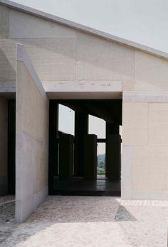 Bricolo Falsarella Associati - Gorgo winery renovation, Custoza 2005. Via, photos © Alessandra Chemollo.