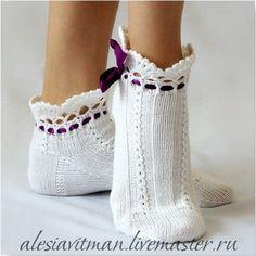Носки. Гольфы. - Носки,тапочки Knitted Slippers, Slipper Socks, Crochet Slippers, Knit Crochet, Lace Boot Socks, My Socks, Knitting Socks, Hand Knitting, Lila Baby