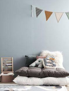 Welke kleur in de kinderkamer? Kids Bedroom, Bedroom Ideas, Throw Pillows, Instagram, Home Decor, Furniture, Design, Flooring, Toss Pillows