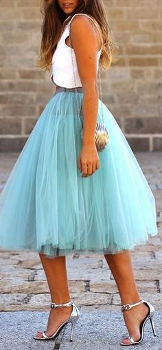 Tulle <3 - as non-girly as I am, I have my days... and I really really would love this!!