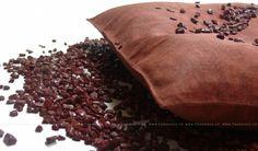 Červený Jaspis - Léčivý polštář s drahými kameny  Cena: 1 398,00 Kč   Polštář kombinuje unikátní účinky pohankových slupek a minerálů. Díky mikromasážním účinkům drobné pevné výplně regenerují svaly i klouby. Tepelná kapacita udrží teplotu po dlouhou dobu. Kameny svým specifickým působením podporují regeneraci a ozdravení.