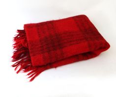 Vintage retro red and black mohair wool picnic travel by evaelena