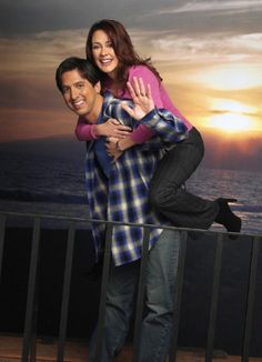 Patricia Heaton and Ray Romano in Everybody Loves Raymond Debra Everybody Loves Raymond, Patricia Heaton, Tv Moms, The Andy Griffith Show, I Dream Of Jeannie, Movie Couples, Comedy Tv, Great Tv Shows, Smiles And Laughs