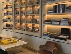 etagere niche, bibliothèque multi casiers couleur crème avec éclairage
