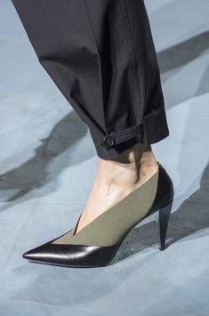 c017785fc7b Givenchy at Paris Fashion Week Spring 2019 - Details Runway Photos New  Fashion Trends