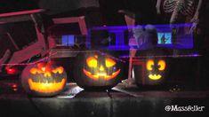 192 lights + 4 Projectors + 5 Laptops = The Best Halloween Display Ever! Halloween Light Show, Halloween Trick Or Treat, 3d Projection Mapping, Diwali Lights, Light Pull, Halloween Displays, Projectors, Pumpkin Carving, Laptops