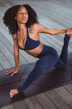 Yoga Photography, Photography Women, Pretty Black Girls, Beautiful Black Women, Yoga Inspiration, Fitness Inspiration, Beautiful Yoga Poses, Queen, Female Portrait