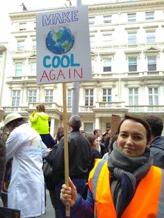 Bossing it: The best signs from the March for Science London – Mags D – climate change protest What Is Climate, Climate Change, Save Our Earth, Save The Planet, Environmental Posters, Environmental Change, Slogan, London Protest, School Strike