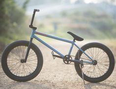 @sirlayos has a brand new Bike Check up on the @digbmx website giving you a closer look at his 2016 Trueno setup! Visit Digbmx.com to take a closer look! #bmx #flybikes #digbmx #bike #bicycle #bikecheck #style