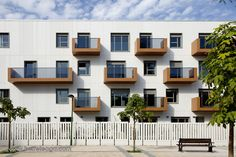Built by Erredeeme in Getxo, Spain with date 2013. Images by Francisco Berreteaga. The project is a freestanding building, 4 storeys high and 2 basement floors for parking, storage and technical rooms...