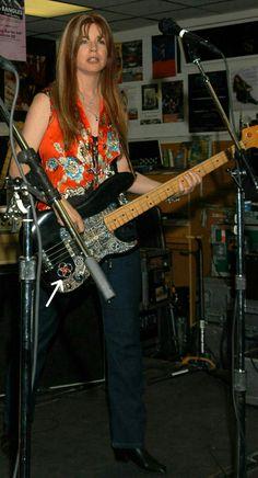 Rock Artists, Music Artists, Susanna Hoffs, Michael Steele, Women Of Rock, Pop Rock Bands, Female Guitarist, Spice Girls, Good Music