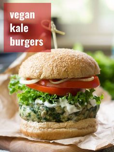 These satisfying vegan kale burgers are made with a flavorful mixture of white beans, crunchy sunflower seeds and lots of garlic. They're as delicious as they are healthy! Vegan Lunch Recipes, Veg Recipes, Delicious Vegan Recipes, Vegan Dinners, Healthy Recipes, Burger Recipes, Vegan Foods, Epicure Recipes, Healthy Salads
