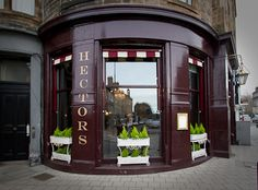 """Hectors Pub in Stockbridge. Best fish 'n chips in the universe. Lots of locale ales! Funny waiters: """"Stupid buggah!"""""""