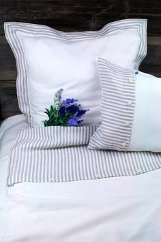 FULL/ Double size SET Pure Linen Stripped Duvet Cover cm 2 pillow cases cm Washed linen by Linum Studio. White Duvet Covers, Bed Covers, Linen Duvet, Linen Fabric, Duvet Cover Sizes, Bedroom Vintage, How To Make Bed, Flat Sheets, Fabric Decor