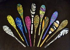 decorative wood spoons and forks - sps art room Painted Spoons, Hand Painted, Painted Wood, Green Kitchen Designs, Crafts For Seniors, Senior Crafts, Spoon Craft, Wood Spoon, Country Paintings