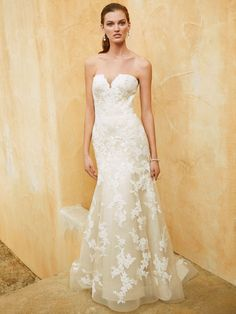 New at Uptown Bridal! Uptown Bridal & Boutique www.uptownbrides.com Beautiful 2016, BT16-31 front view