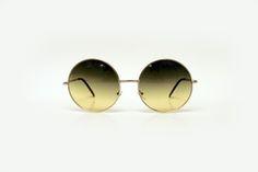 Óculos redondo com lente verde degradê