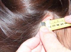 Las prótesis capilares a medida que realizamos para clientes con alopecia son indetectables pues tomamos más de treinta y seis medidas diferentes de la cabeza del cliente para que se acople perfectamente.
