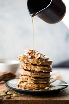 Food inspiration | Pancakes | Breakfast | Lunch | Healthy | Delicious | Banana | Almonds | Maple syrup | More on Fashionchick