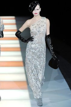 Giorgio Armani Fall 2009 Ready-to-Wear Fashion Show - Phenelope