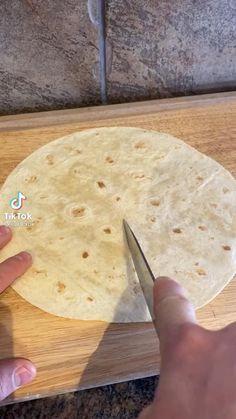Tortilla, Fun Baking Recipes, Cooking Recipes, Amazing Food Videos, Beignets, Food Cravings, Diy Food, Mexican Food Recipes, Love Food
