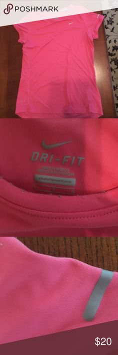 Ladies Nike running Dri Fit Large size shirt s/s Very nice shirt like new! Nike Tops Tees - Short Sleeve