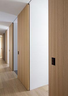 new ideas apartment door corridor Indoor Barn Doors, Glass Barn Doors, Patio Doors, Indoor Sliding Doors, Entry Doors, Door Design, House Design, Barn Door In House, Apartment Door