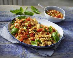 Unser beliebtes Rezept für Pasta mit Paprika-Sugo und Kichererbsen und mehr als 55.000 weitere kostenlose Rezepte auf LECKER.de.