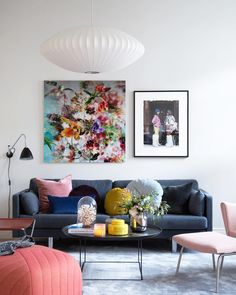 inspiring wall decor ideas for your living room 2 Peach Living Rooms, Living Room Sofa, Living Room Interior, Home Living Room, Living Room Decor, Bedroom Designs Images, Colorful Apartment, Dining Room Paint, Decor Room