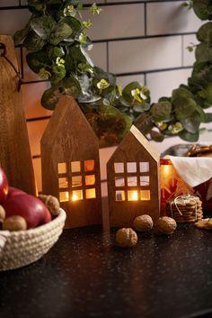 La hele kjøkkenet ose i en god kanelduft! #Kanelhus #Kremmerhuset #Jul #Julestemning #kremmerhuset #julepynt #Julestemning #Jul #klassisk jul #Julen 2018 #Juletrend 2018 #kremmerhuset jul #juleglede #tradisjonell jul #elegant jul #jul #