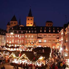 Hauptmarkt Trier, mit Weihnachtsmarkt