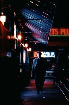 Heat [1995] directed by Michael Mann, starring Robert De Niro, Al Pacino, Val Kilmer, Tom Sizemore, Diane Venora, Amy Brenneman, Ashley Judd, Mykelti Williamson, Wes Studi, Ted Levine, and Jon Voight.