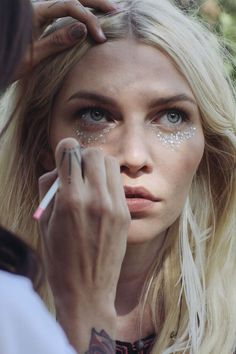 Beauty DIY: This Year's Best Festival Makeup | Free People Blog #freepeople