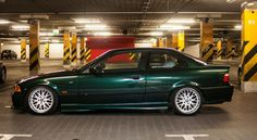 Farngrun (farn green) BMW e36 coupe on cult classic Rondell 058 wheels (8,5x17 et13 205/40, 10x17 et15 215/40)