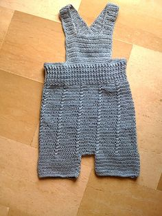 Ravelry: Unisex overall pattern by Lia Govers