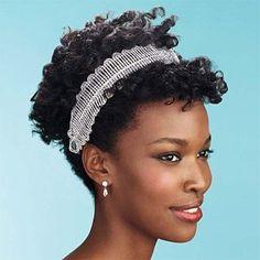 Respeitando todos os gostos de todas as mulheres, apenas vamos salientar uma dica para garotas afro, de cabelos bem crespinhos mesmo e que estão para se casar: explorem a beleza natural do seu cabe…