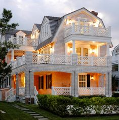 Nantucket Shingle Style Coastal Design Ideas, Pictures, Remodel, and Decor - http://www.daviswin.com