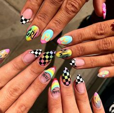 5 Yellow Colored Acrylic Designs to Wear on Your Nails Edgy Nails, Pointy Nails, Aycrlic Nails, Grunge Nails, Stylish Nails, Coffin Nails, Summer Acrylic Nails, Best Acrylic Nails, Acrylic Nail Designs