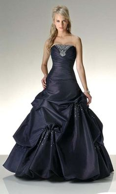 Don't anyone get any ideas, I just love the idea of a black wedding dress ;-)