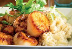 Pétoncles sautés, sauce aux échalotes et au vin blanc Healthy Cooking, Cooking Recipes, Cooking Fish, Confort Food, Good Food, Yummy Food, How To Cook Fish, Healthy Dessert Recipes, Fish And Seafood
