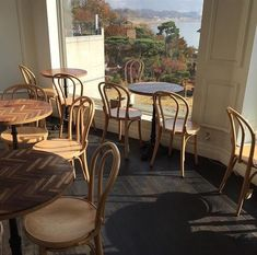 a little paris isn't bad Autumn Aesthetic, Aesthetic Grunge, Little Paris, Oui Oui, Cozy Place, Aesthetic Pictures, Interior And Exterior, Coffee Shop, Beautiful Places